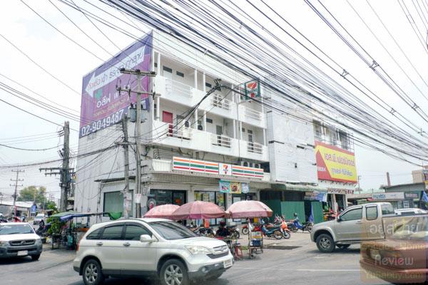 Centro รังสิตคลอง 4 - วงแหวน ถนนเลียบคลอง 4 - (ภาพที่ 1)