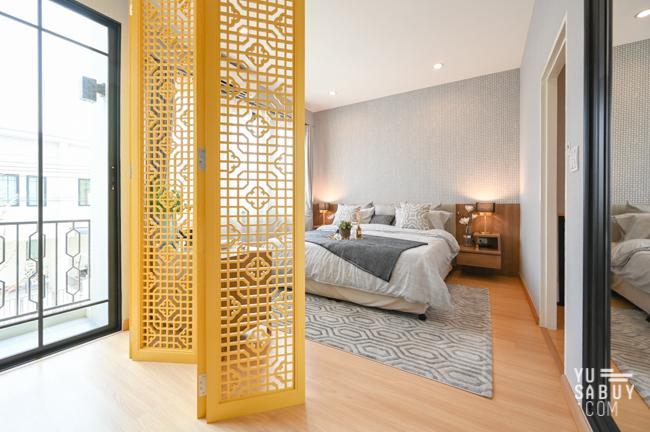 ชวนชื่น ทาวน์ วิลเลจ บางนา master bedroom